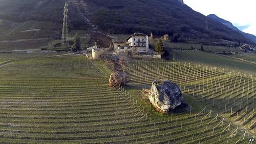 italian_boulder02
