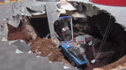 Sinkhole swallows Corvettes in Bowling Green, Kentucky
