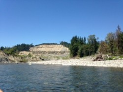 Controversial rafting trip down the Stillaguamish River by the Oso Landslide