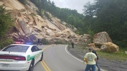 Planar rock slide on Highway 70 in Hawkins County