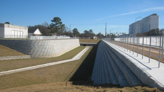 Redi-Rock gravity retaining walls at a detention pond in Houston