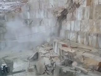 Pit slope failure in marble quarry in Turkey