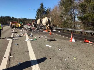 Semi-truck strikes geotechnical drill rig near Chico, Washington
