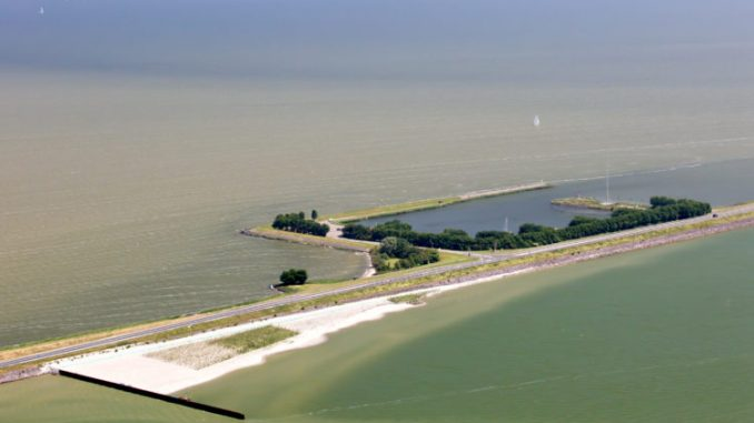 Houtrib Dike Pilot Project - EcoShape