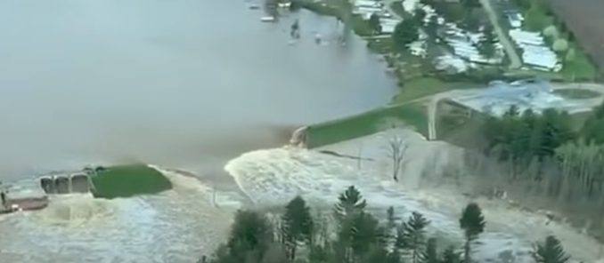 10,000 evacuated after two dams fail in Midland County, Michigan